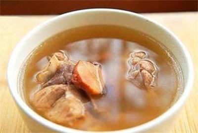 土茯苓煲汤